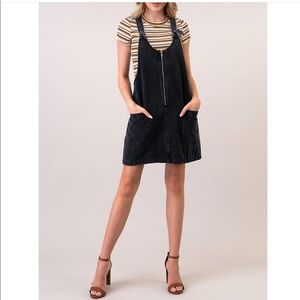 Pocketed front zip overall cotton skirt